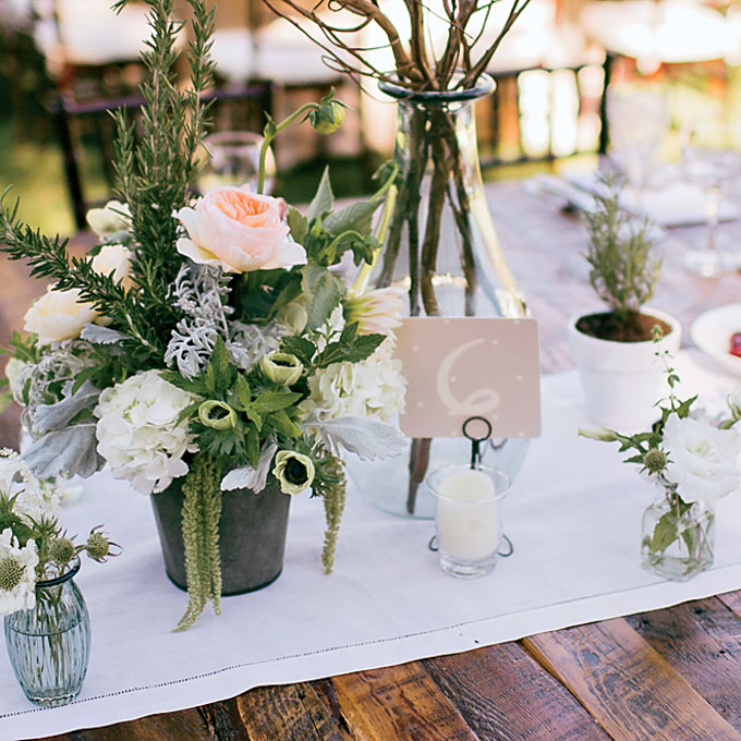 romantic-summer-outdoor-wedding-montana-rustic-flower-centerpiece